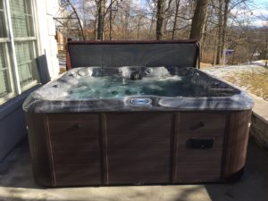 New hot tub from Spa Warehouse delivered to Hagerstown, MD